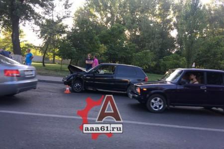 Массовое ДТП: ВРостове наМалиновского столкнулись 5 машин