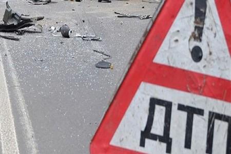 НаДону столкнулись большегруз илегковой автомобиль, один человек умер