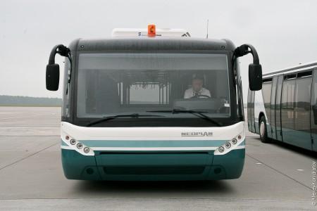 Нетрезвый пассажир угнал микроавтобус ваэропорту Шереметьево