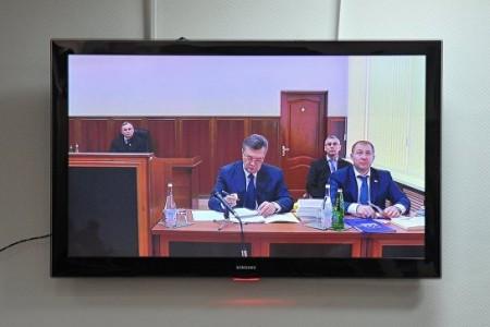Яобязательно буду: Янукович опереносе допроса
