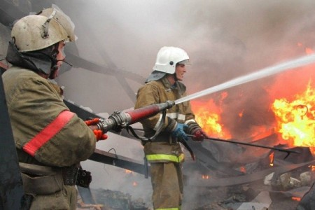 ВРостове спасли 3-х человек изгорящей гостиницы вбизнес-центре «Евразийский»