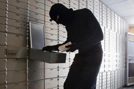 Вцентре Ростова женщина вмаске ограбила банк